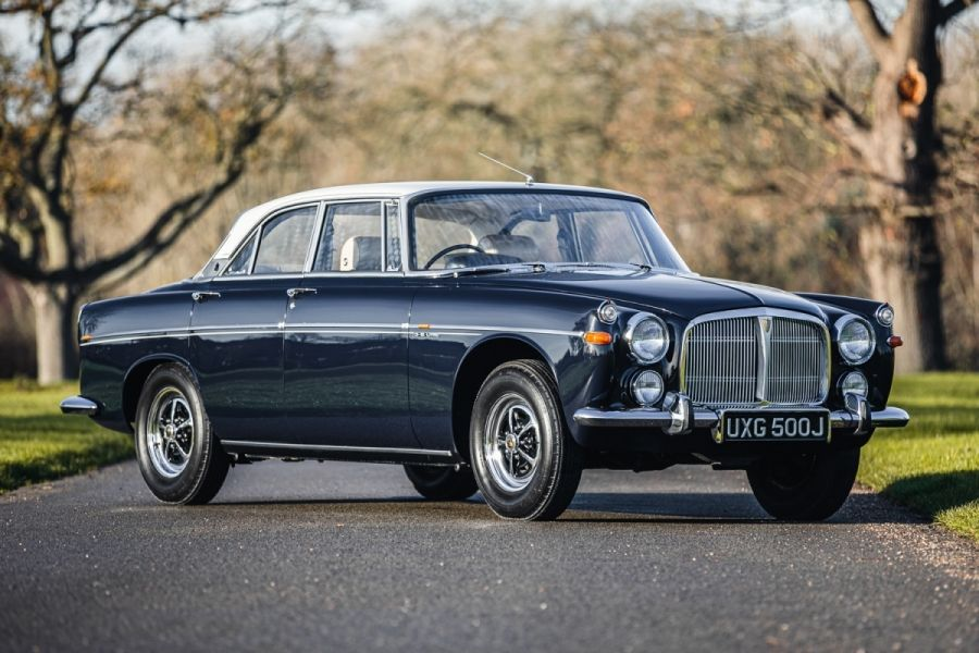 Rover P5B Coupe sells for £45000 at Classic Car Auctions