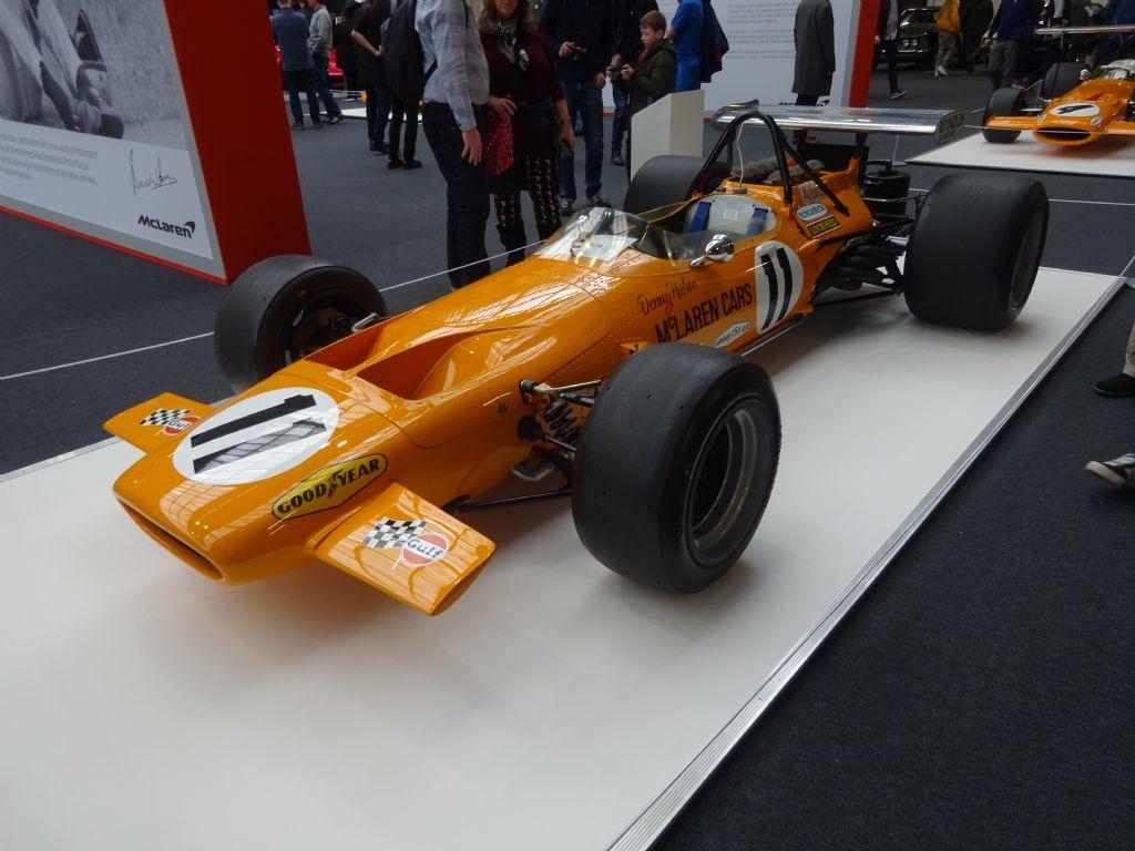 McLaren M14D